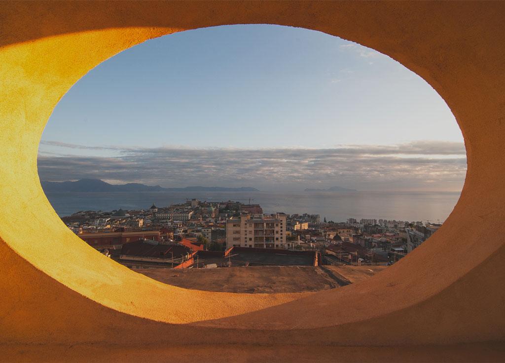 Veduta del golfo di Napoli dalla passeggiata del bed and breakfast Casa Tolentino